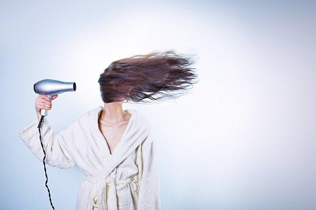 cosa non fare per avere capelli sani