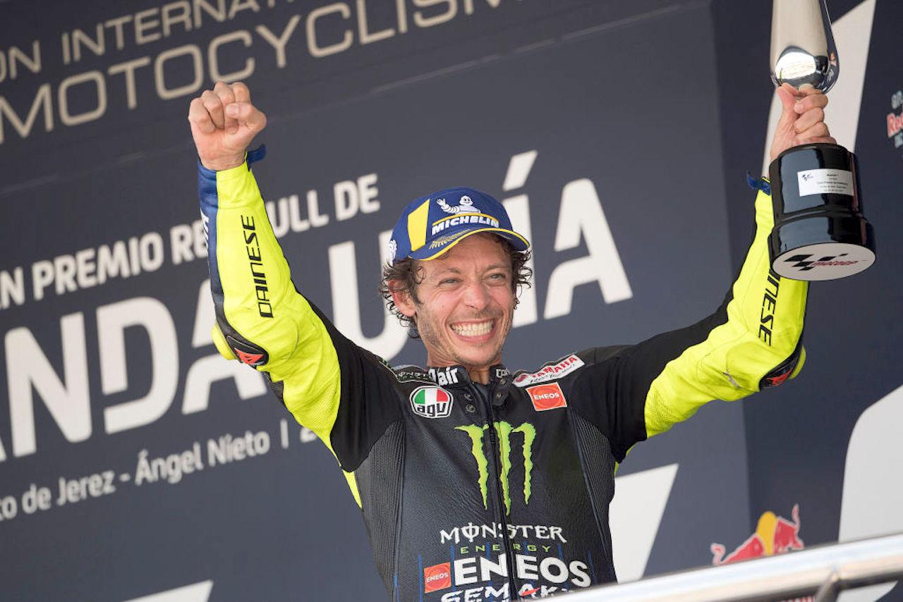 Valentino Rossi positivo | Chi può sostituirlo sulla Yamaha