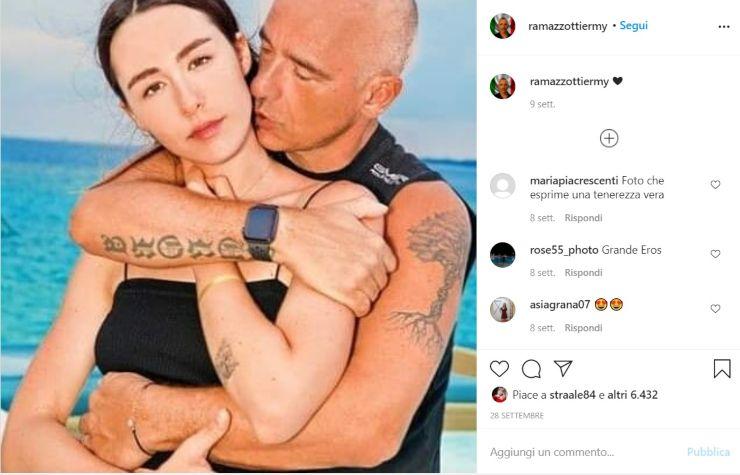 Eros Ramazzotti abbraccia la donna della sua vita - Solonotizie24