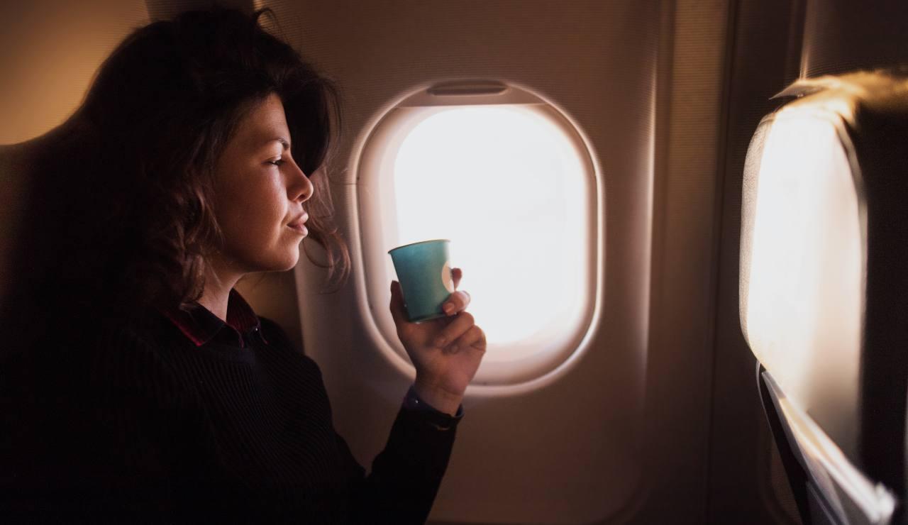 Non bere caffè in aereo-SoloNotizie24.it