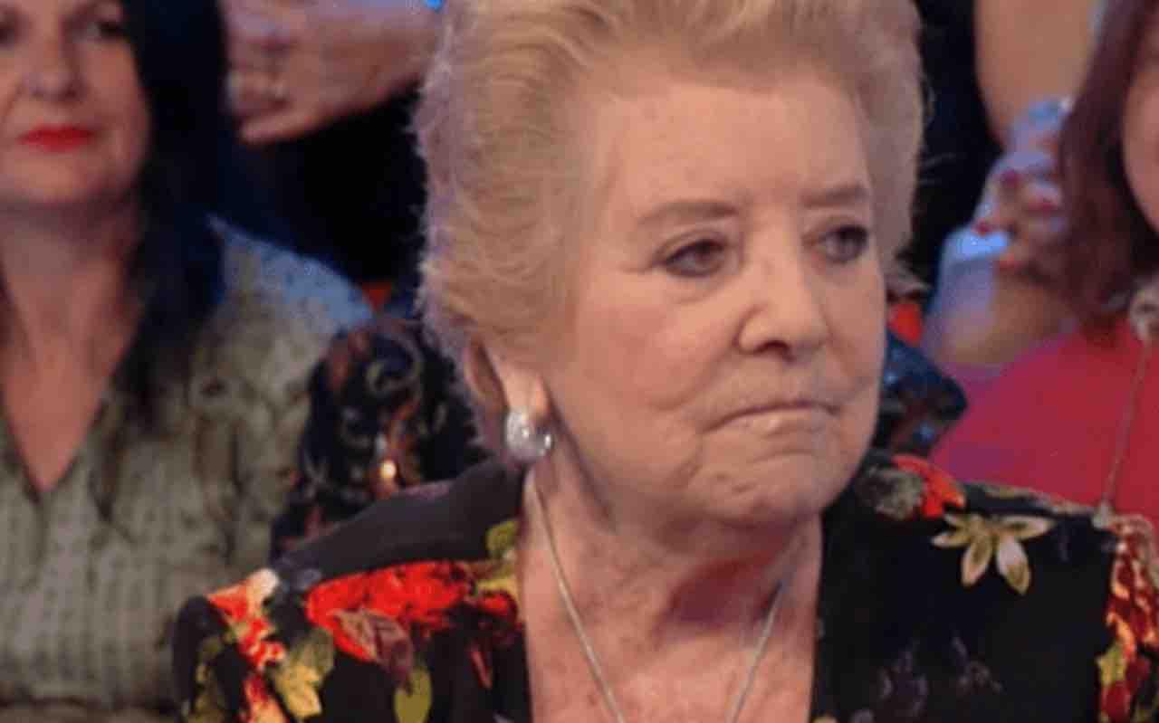"""Wilma De Angelis doloroso lutto: """"É morto da solo, sono mesi che il Covid distrugge tutti noi"""""""
