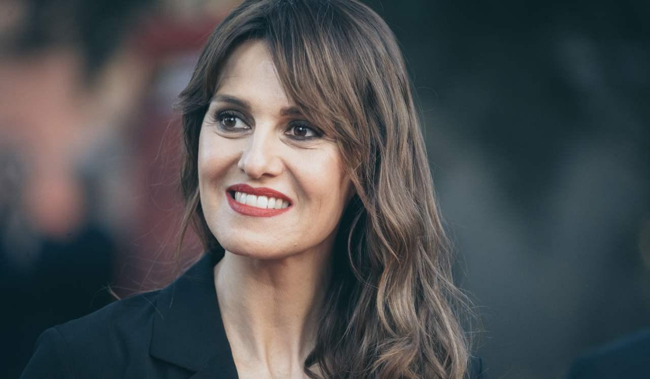 Paola Cortellesi Laura Pausini - Solonotizie24